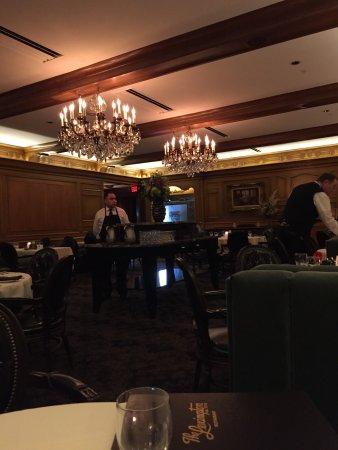 Memorable food service and ambiance