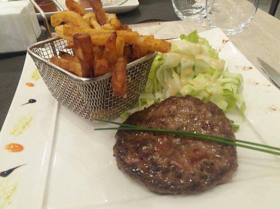 Saint-Sulpice-la-Pointe, França: Super restaurant