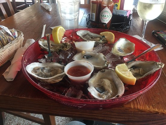 Black Pearl Oyster Bar and Grille: photo2.jpg