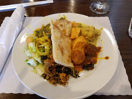 Fuquay-Varina, NC: My buffet plate. Watch out for that cabbage! It is Spicy.