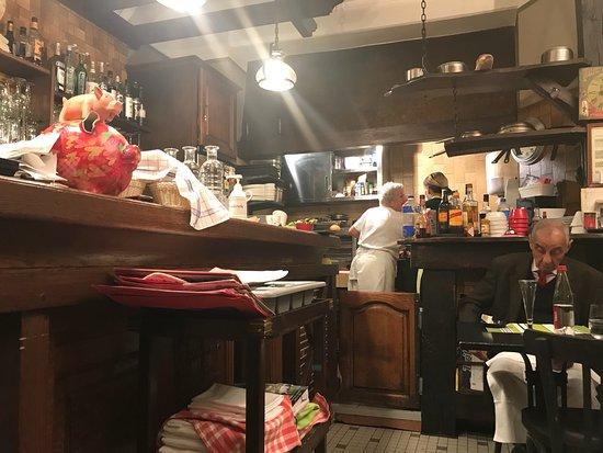 restaurant le louis xi dans bourges avec cuisine fran aise. Black Bedroom Furniture Sets. Home Design Ideas