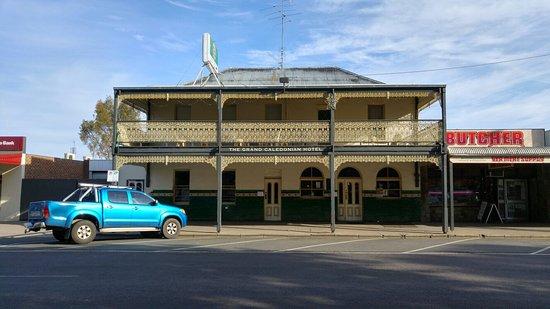 Yea, Australia: Nice enough building