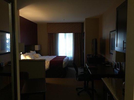 Comfort Suites Ontario Convention Center: photo0.jpg