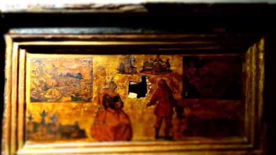 Fuendetodos, สเปน: detalle de uno de los muebles de la casa natal