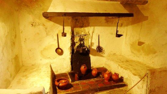 Fuendetodos, Hiszpania: cocina de la casa natal