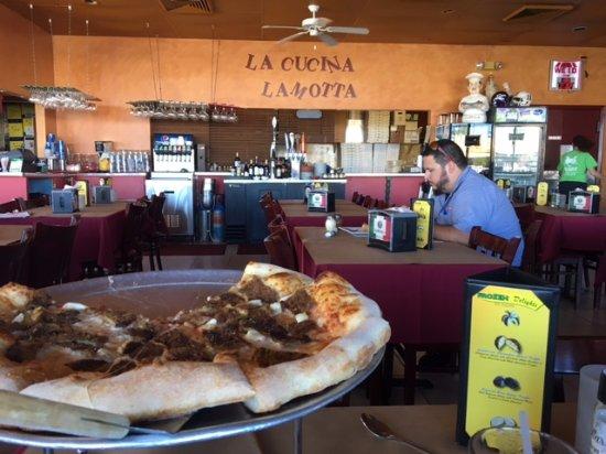 LaMotta's Italian Restaurant & Pizzeria: Not fancy, but honest, good pizza.