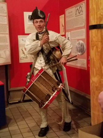 Savannah Visitors Center : Our guide to the Siege of Savannah!
