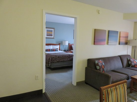 Staybridge Suites Anaheim - Resort Area: View of 1 room in 2 bedroom suite