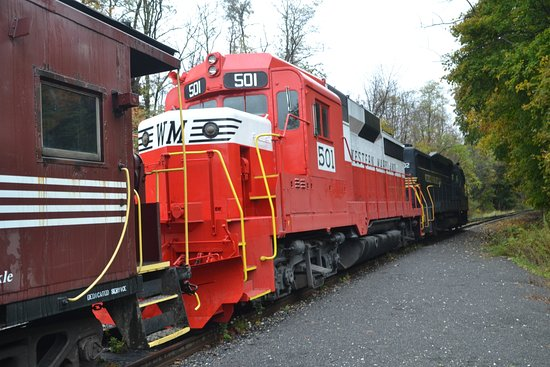 Western Maryland Scenic Railroad: Two engines and a Caboose