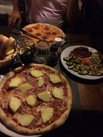 Cuisine et service italien et toute sa splendeur