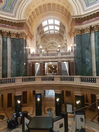 Wisconsin State Capitol: 20170926_162239_large.jpg