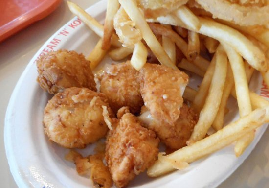 West Dennis, MA: Fried Scallops