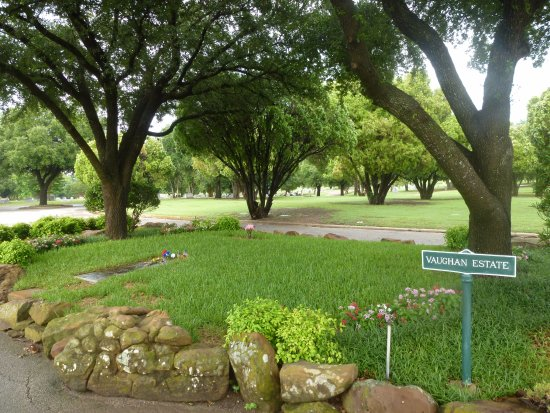 Laurel Land Funeral Home and Laurel Land Memorial Park - Dallas