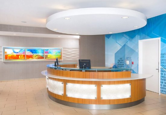 Columbia, MD : Front Desk