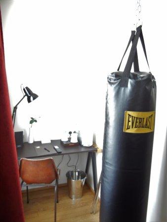 Hotel Le 123 Sebastopol Astotel Full Size Heavy Punching Bag