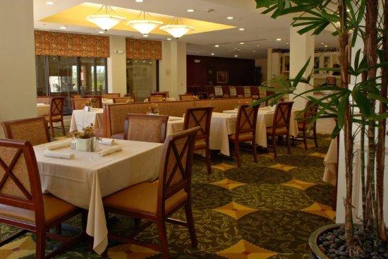 Avondale, AZ: Restaurant and Lounge