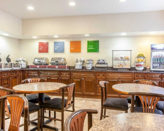 Bothell, WA: Enjoy breakfast in this seating area