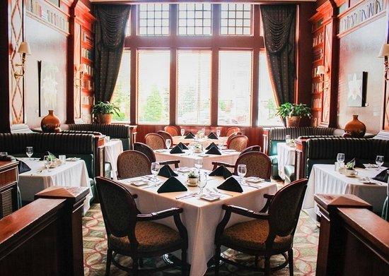 Greeneville, TN: Brumley's Restaurant & Lounge
