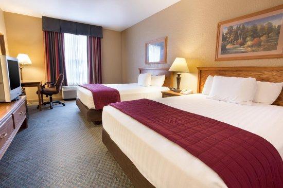 Pear Tree Inn Lafayette: Deluxe Guest Room
