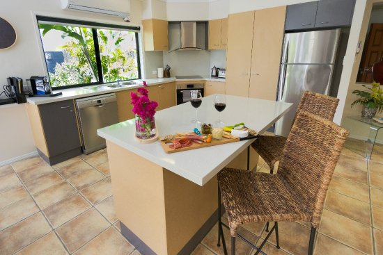 Villa Blue: fully equipped kitchen
