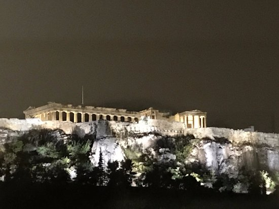 Plaka Hotel: View of the Acropolis from the hotel rooftop garden.