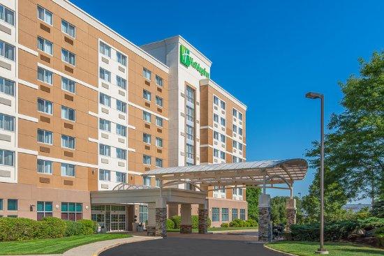Taunton, MA: Hotel Exterior