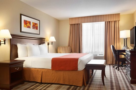 Country Inn & Suites By Carlson, Lexington: CISLXVADeluxe King Suite