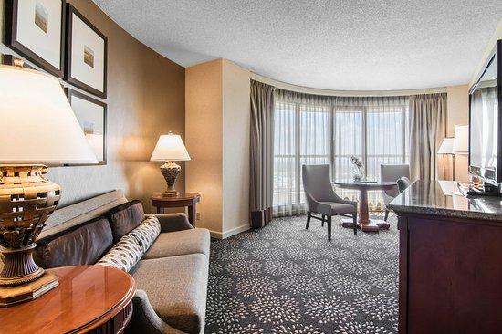 Irving, TX: King Suite