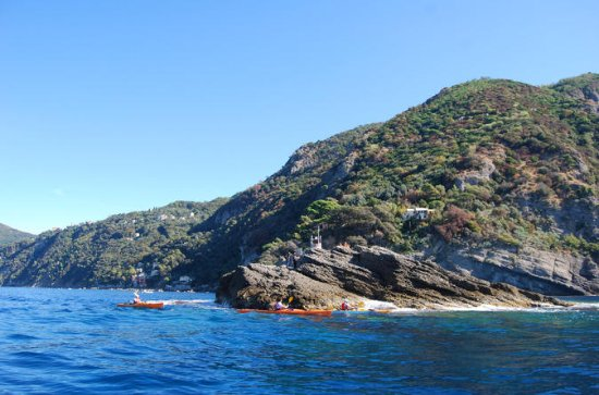 Full Day Sea Kayak Tour i Portofino...