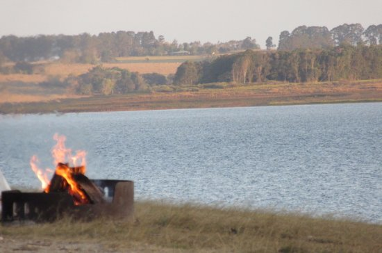 Tinaroo, Australien: Good fire pits for cooking or atmosphere.