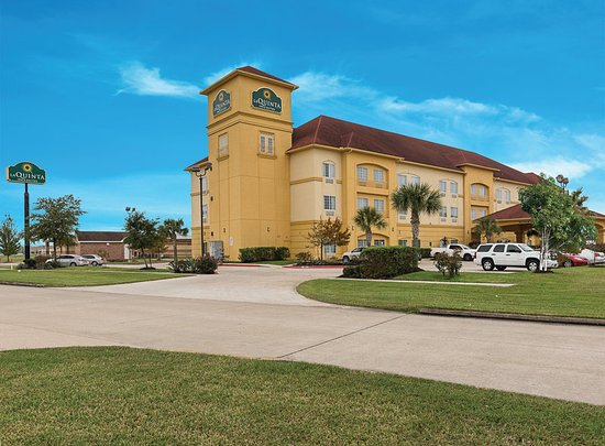 La Quinta Inn & Suites Deer Park: ExteriorView