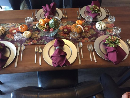 Amity, OR: Autumn breakfast tablespread - so pretty!