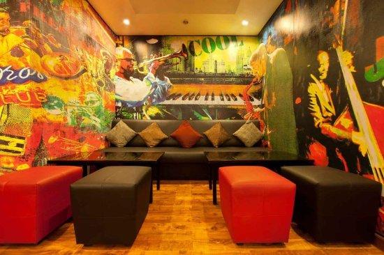 Red Fox Hotel East Delhi: Lounge