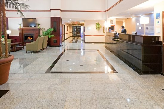 Holiday Inn Express Round Rock: Hotel Lobby