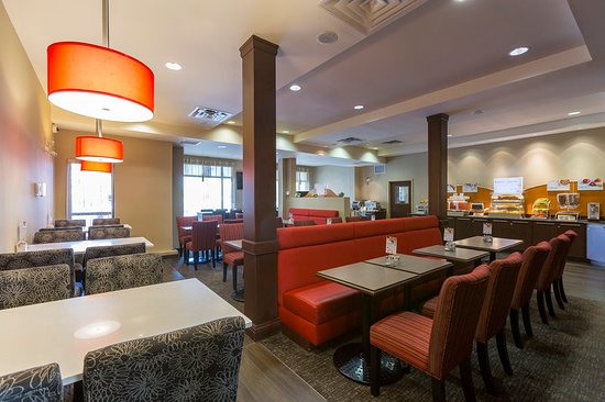 Holiday Inn Express Hotel & Suites Riverport: Breakfast Bar