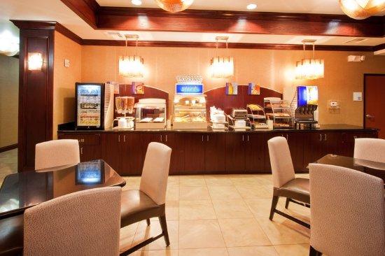 Mineral Wells, TX: Breakfast Bar