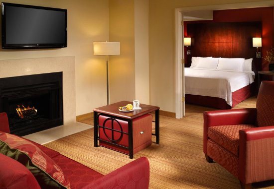 Chamblee, จอร์เจีย: Two Bedroom Bi Level Suite