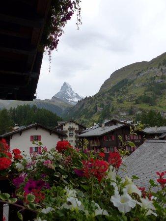 Romantik Hotel Julen: View of the Matterhorn from a flower filled balcony