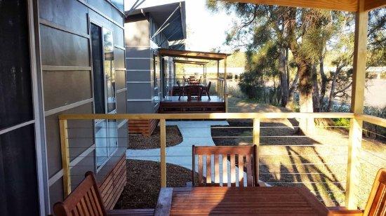 Gerroa, Australia: Deluxe Riverside 2BR - Balcony
