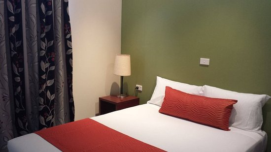 Gerroa, Australia: Deluxe Riverside Villa 2BR - Main Room