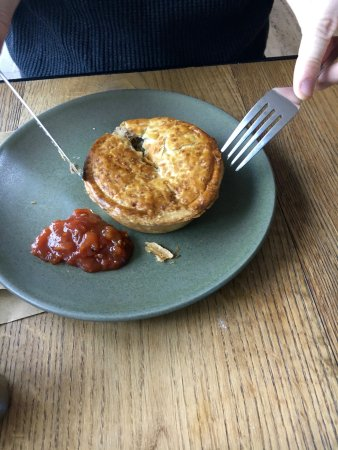 The Restaurant at the Art Gallery of NSW: YU chunky meal pie
