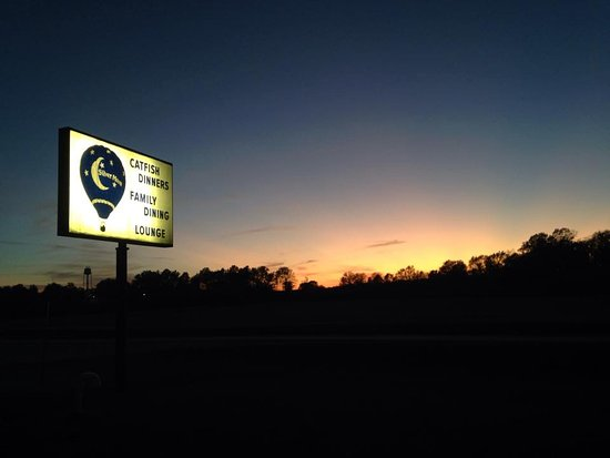 West Union, IL: Sunset over the Moon
