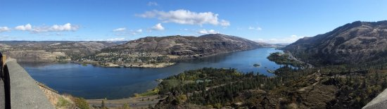 Mosier, OR: Panoramic to get a sense of the vast views