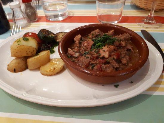 Pays Basque, France : Axoa de veau