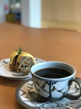 Oshu, Japonia: 素朴なケーキと美味しいコーヒーと静かな時間を堪能させていただきました。