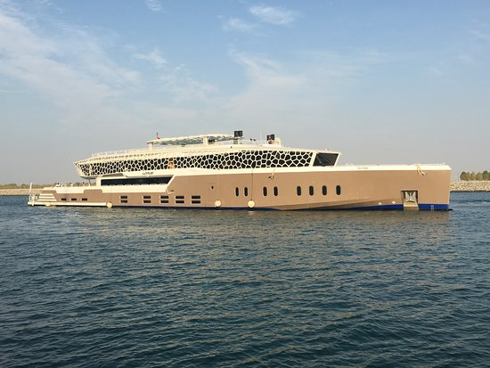 Emirate of Dubai, United Arab Emirates: 67 meters mega yacht