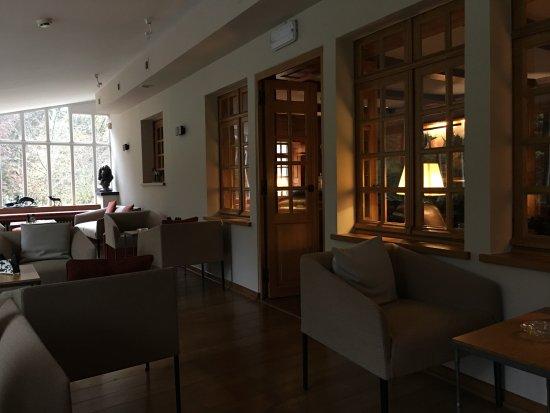 Noirefontaine, Бельгия: Salotto con bar e caminetto. Posto WiFi