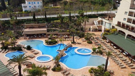 Golden Bahia de Tossa : piscina desde el solarium