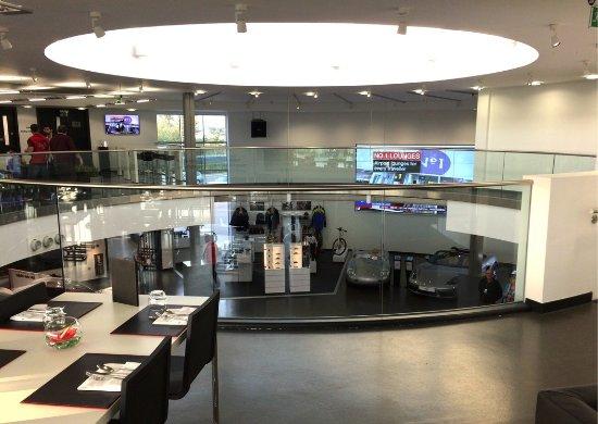 Porsche Experience Centre: Restaurant