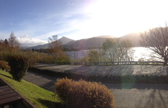 Kinloch Rannoch, UK: Lovely view of Schiehallion from the front door of the hotel